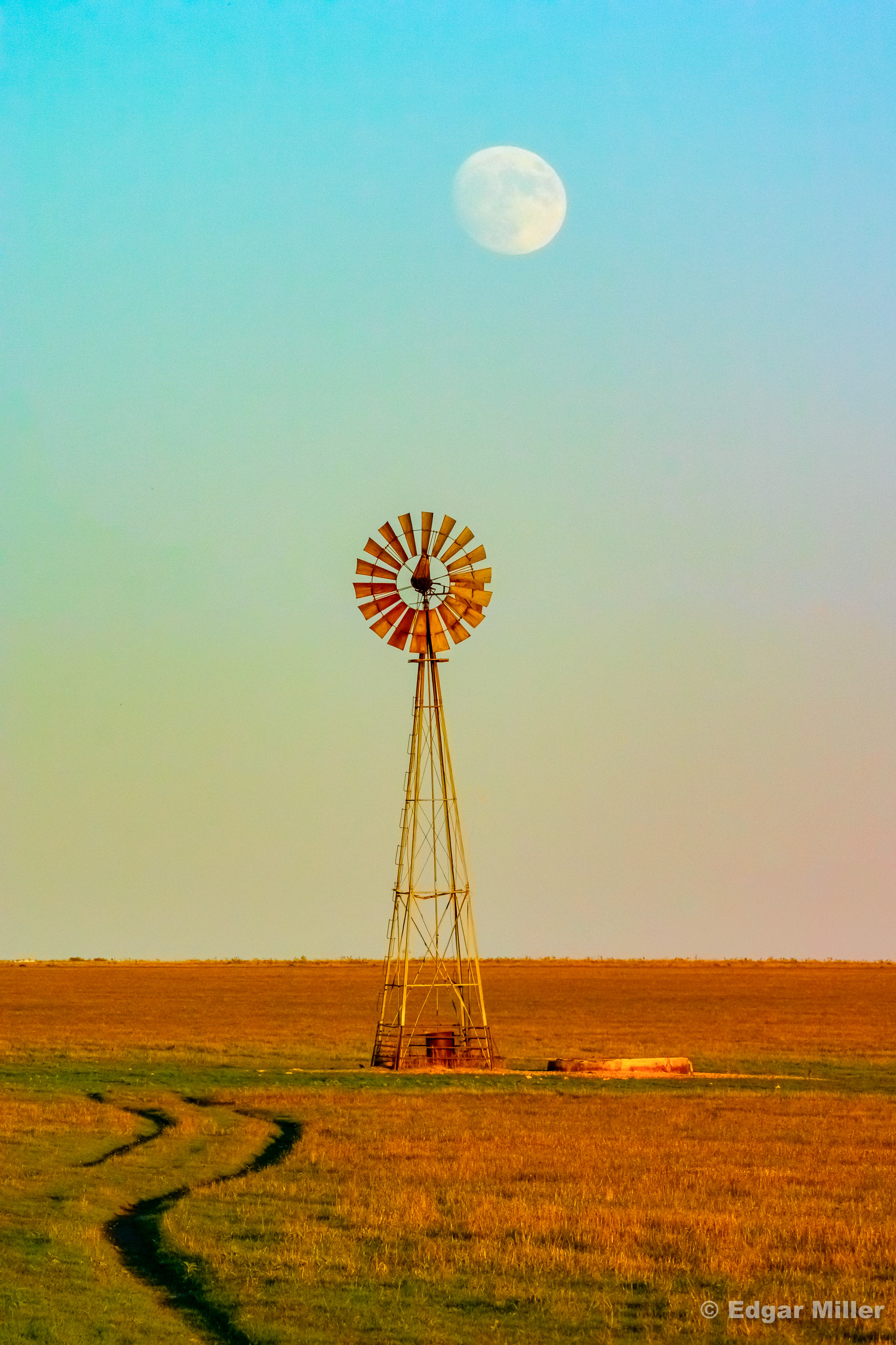 Amarillo Moonrise